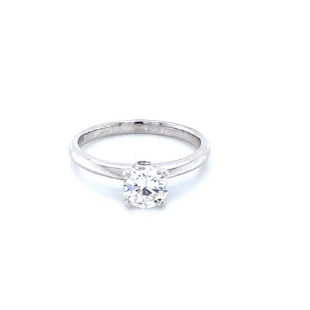 18ct Diamond Ring